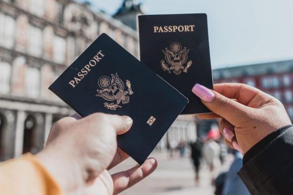 Visa « visiteur », carte de séjour temporaire « visiteur » : quels changements avec la loi du 10 septembre 2018 ?