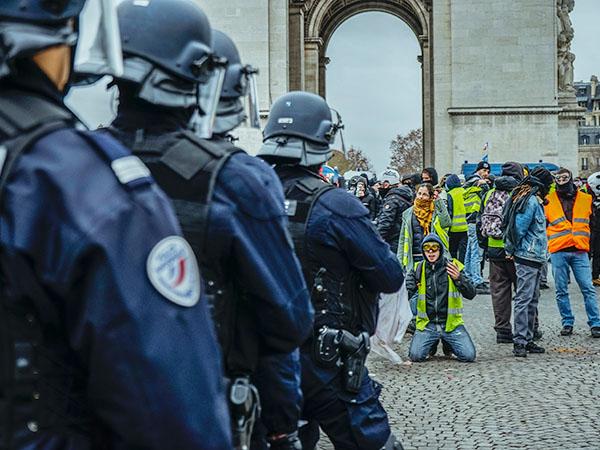 avocat-en-droits-des-libertés-Violences policières à lyon
