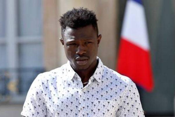 Combien de Mamoudou GASSAMA en France?